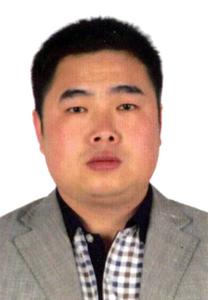 华夏城乡文化书画研究院外联部主任褚文光