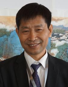 华夏城乡文化书画研究院副院长吴士廷